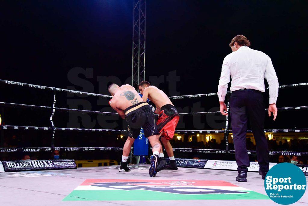 Francesco Russo vs. Venhar Haziri (super welter 8 riprese)